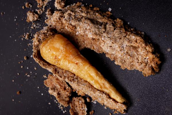 Oud brood zoutkorst op pastinaak1200x669